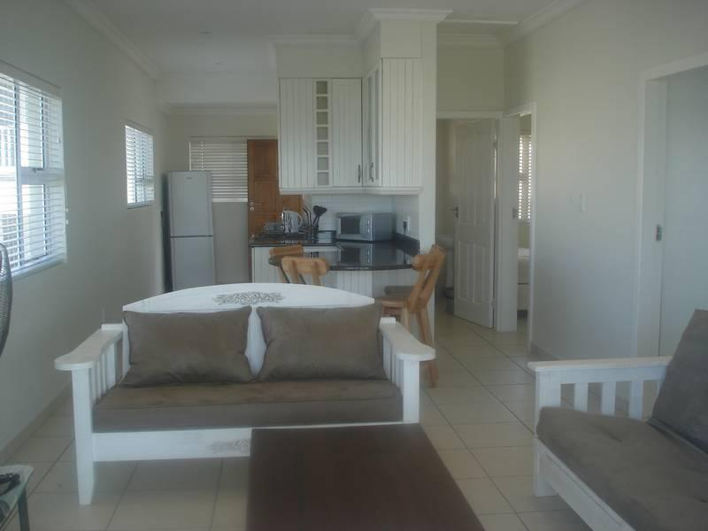 http://listing.pamgolding.co.za/images/properties/200904/240874/H/1435117_H_2.jpg