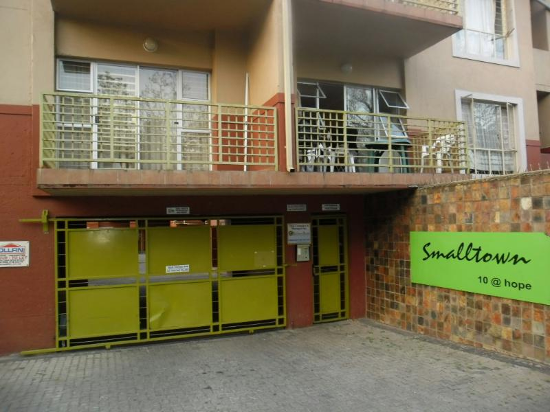 2 Bedroom Apartment For Sale Nelspruit 1ns1102161