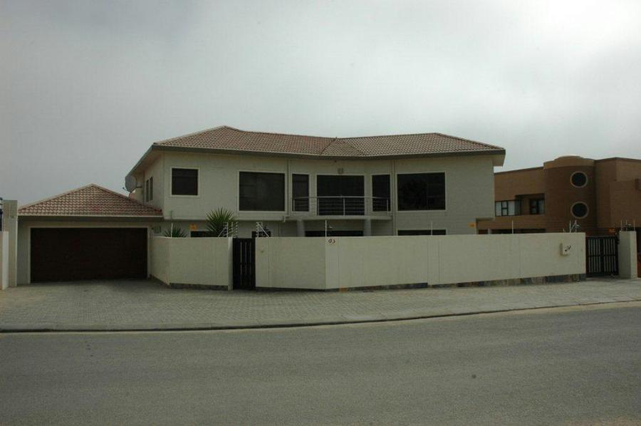 4 bedroom house for sale hage heights namibia for 9 bedroom house for sale