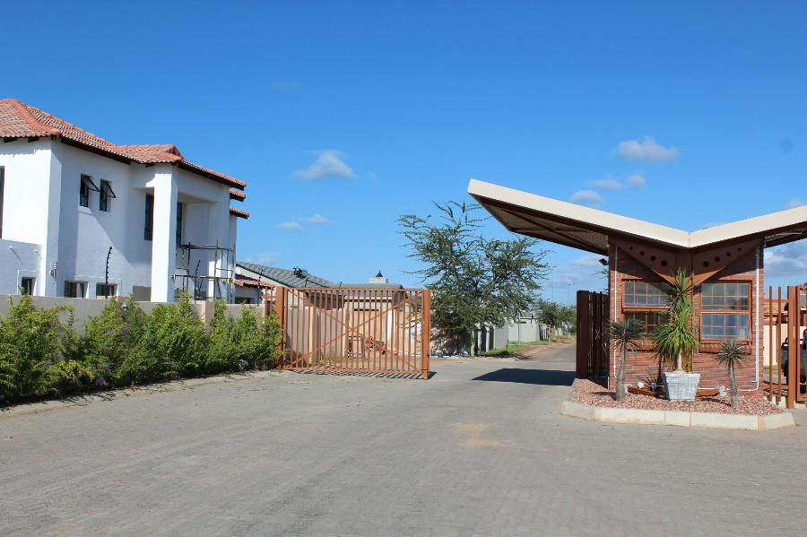 3 Bedroom House for sale in Lephalale (Ellisras) - 1ER1086528 - 1
