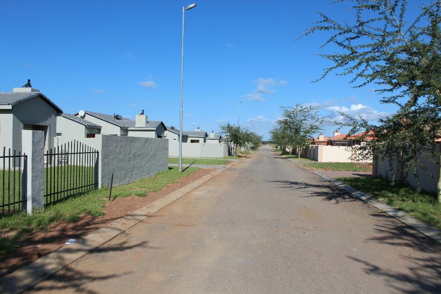3 Bedroom House for sale in Lephalale (Ellisras) - 1ER1086528 - 4
