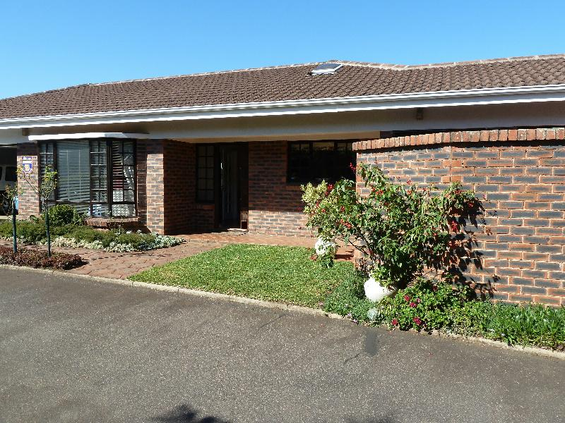 http://listing.pamgolding.co.za/images/properties/201305/189452/H/189452_H_1.jpg