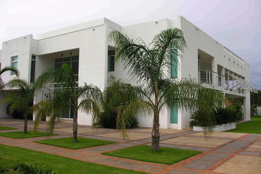 genuine wealthiest neighbourhoods in africa no apartments