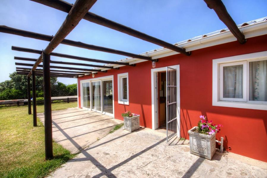 http://listing.pamgolding.co.za/Images/Properties/201402/381006/H/381006_H_20.jpg