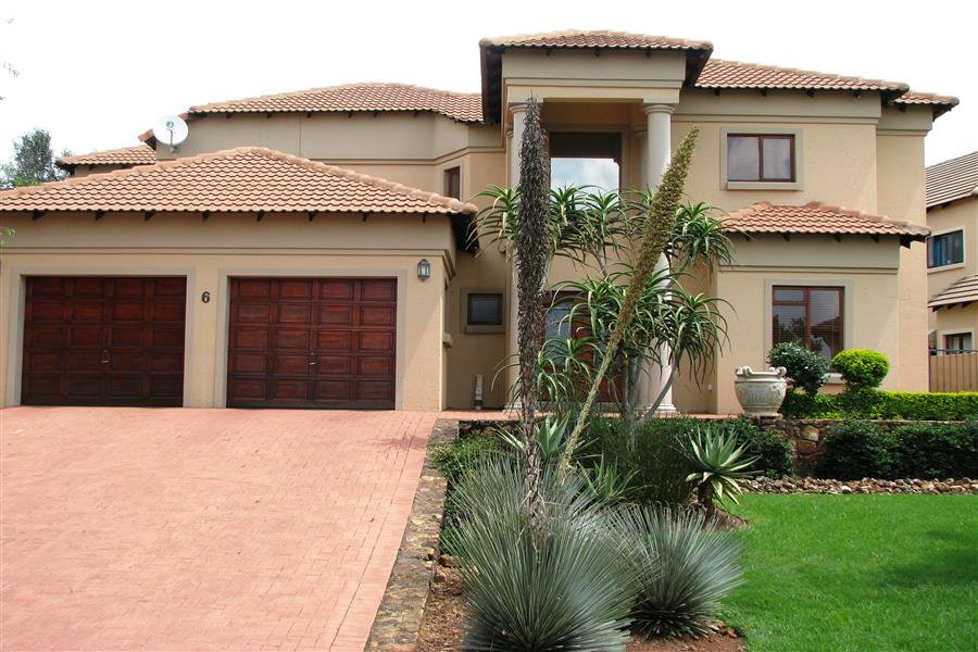 http://listing.pamgolding.co.za/Images/Properties/201403/406852/H/406852_H_15.jpg