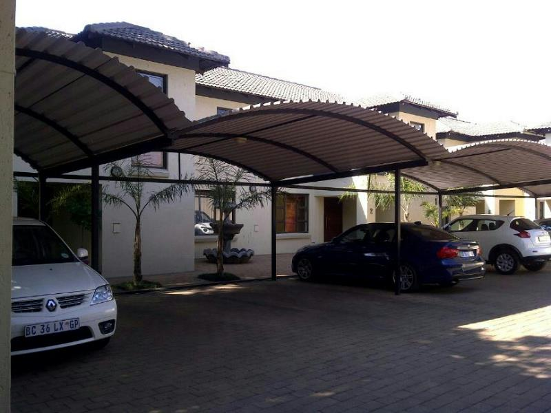http://listing.pamgolding.co.za/Images/Properties/201410/458444/H/458444_H_1.jpg
