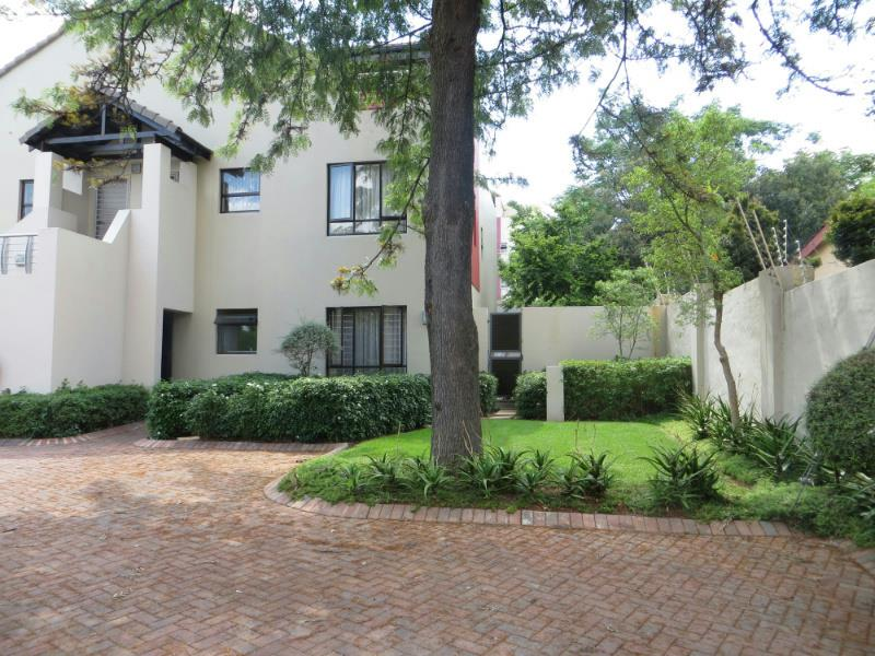 http://listing.pamgolding.co.za/Images/Properties/201411/465404/H/465404_H_1.jpg