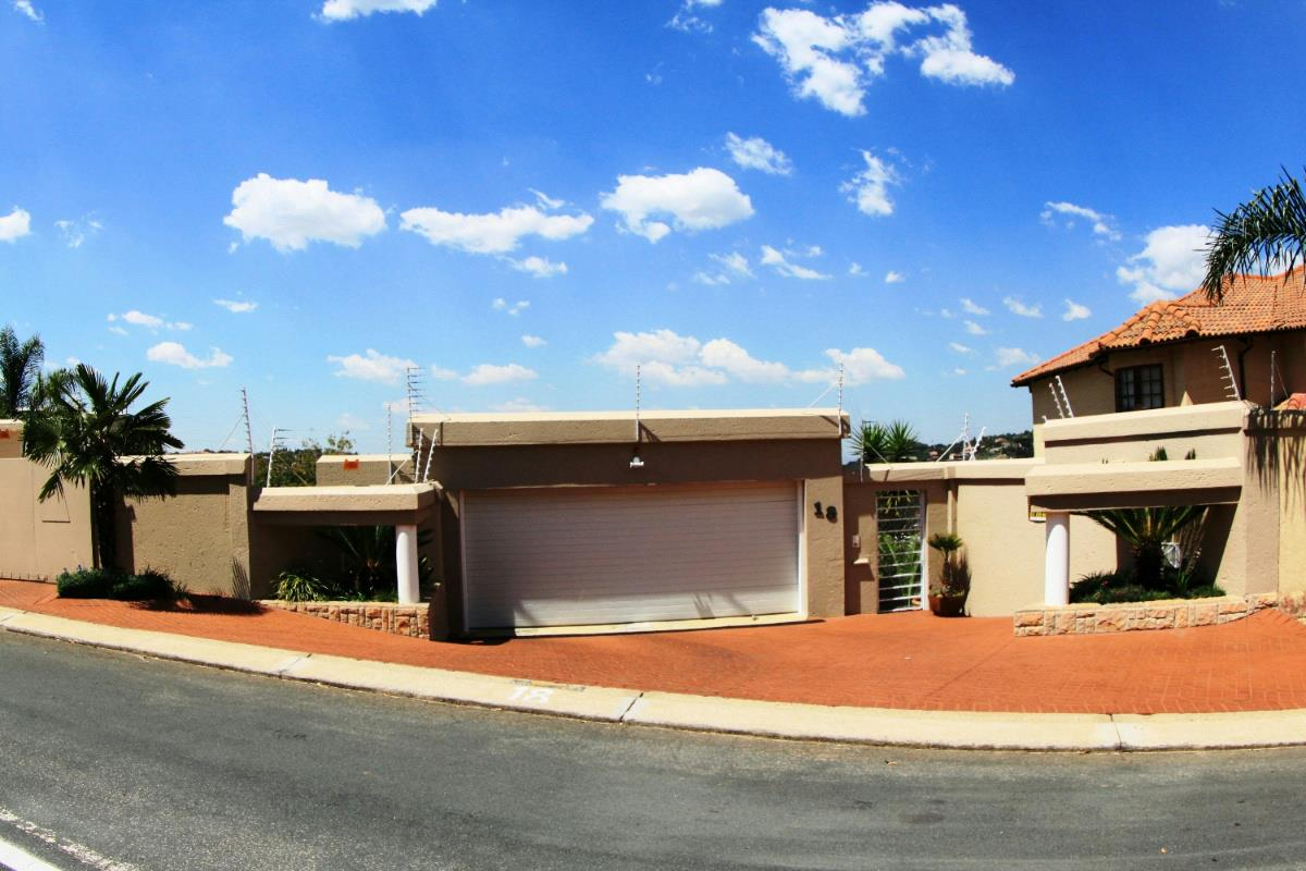 Property For Sale In Oakdene Johannesburg