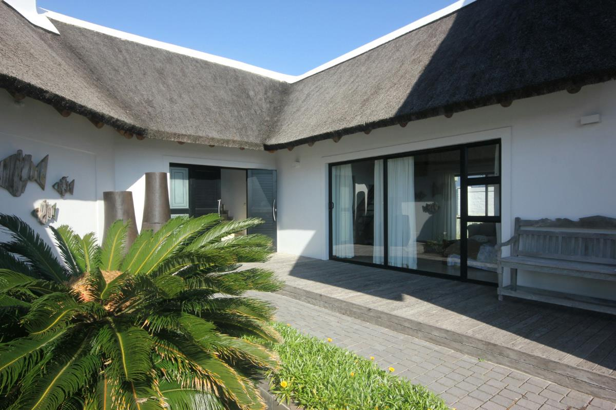 6 Bedroom House For Sale Canals 1SA