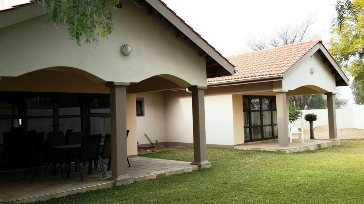 5 Bedroom House For Sale Phase 1 Botswana 3bo1297736