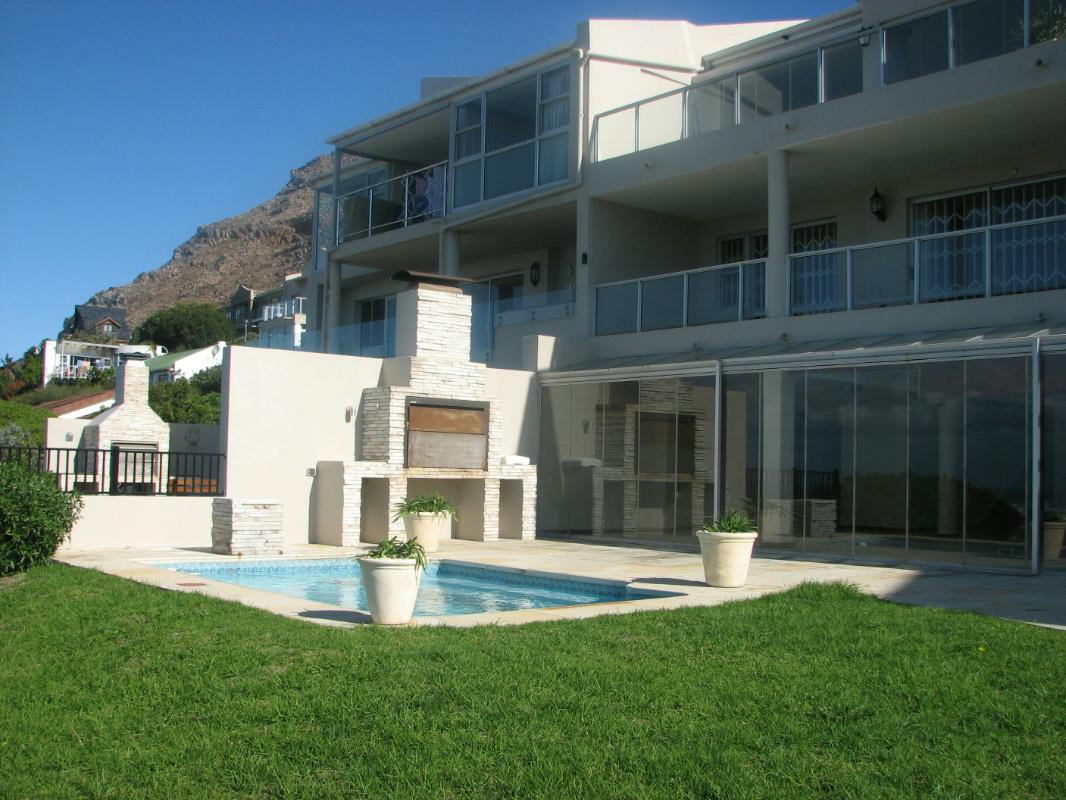 6 Bedroom House For Sale Muizenberg FH
