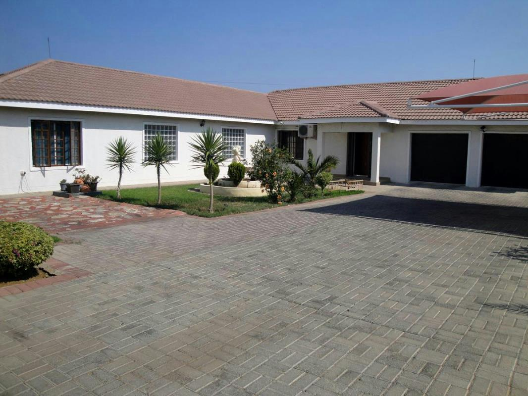 4 Bedroom House For Sale Block 8 Botswana 3bo1240651