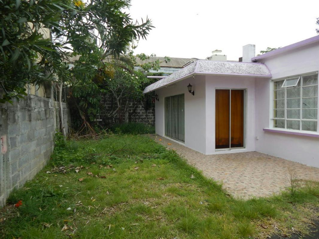 3 bedroom house for sale rose hill mauritius for Pool show rosehill