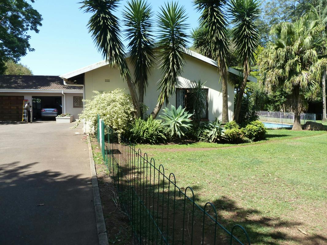 http://listing.pamgolding.co.za/Images/Properties/201601/285277/H/285277_H_13.jpg