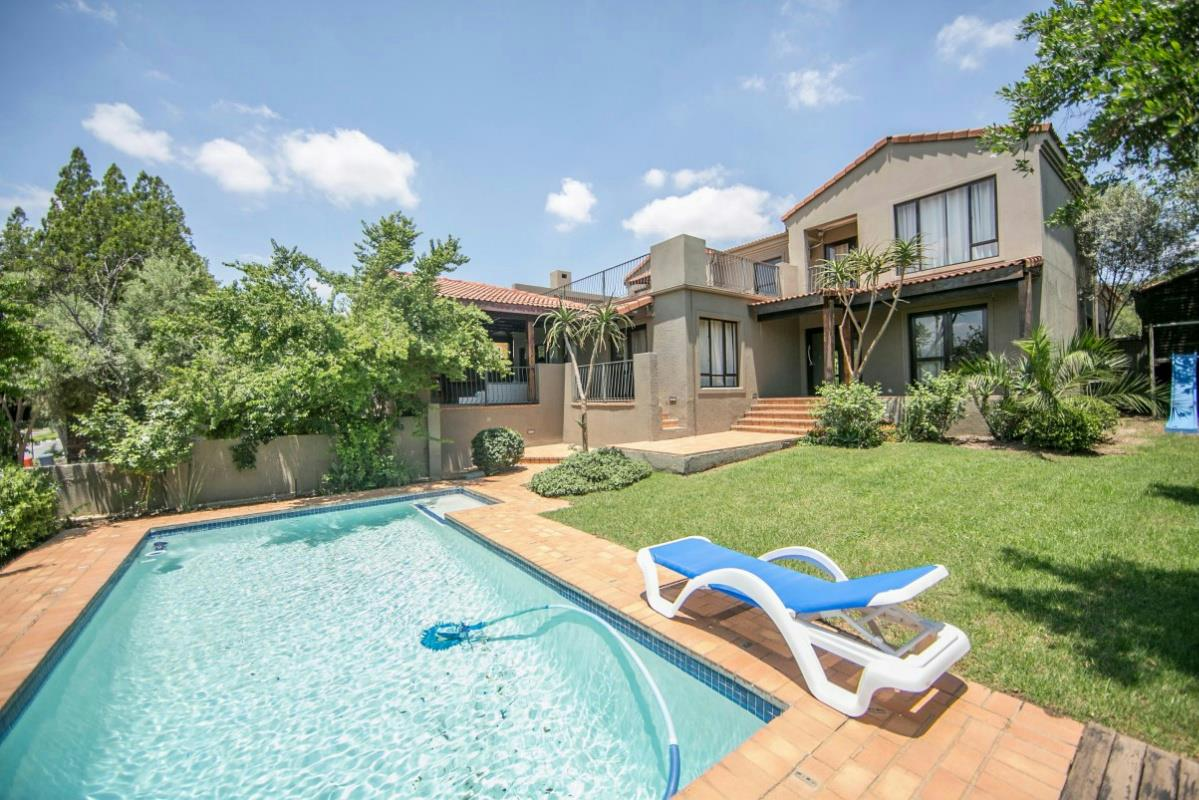 http://listing.pamgolding.co.za/Images/Properties/201602/412414/H/412414_H_6.jpg