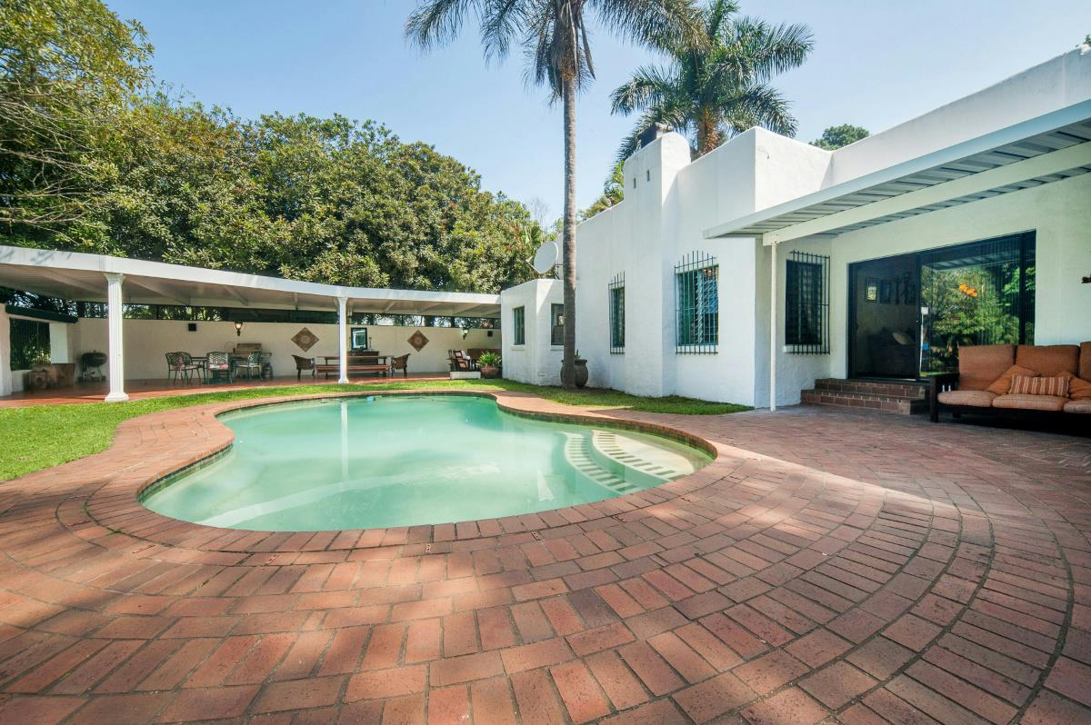 http://listing.pamgolding.co.za/Images/Properties/201602/456681/H/456681_H_6.jpg