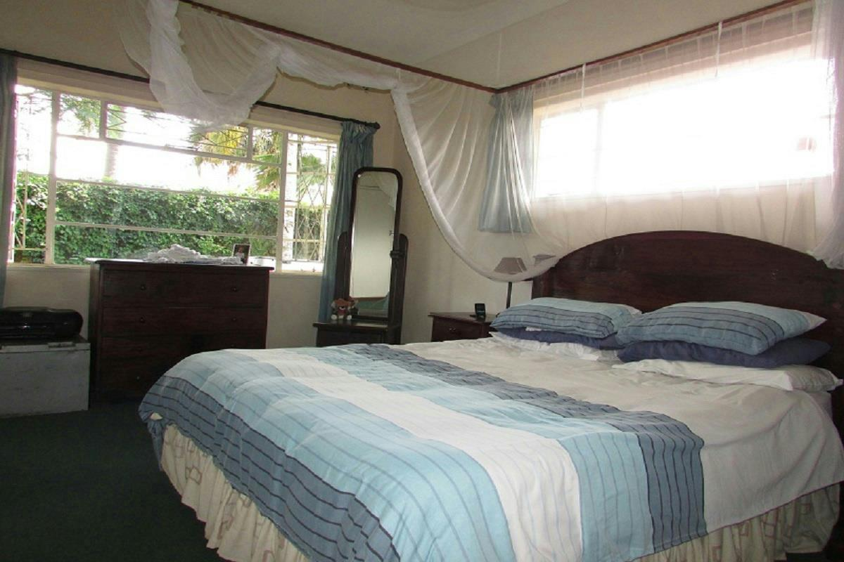 House for sale harare harare zimbabwe 3zb1255238 for Bedroom furniture zimbabwe