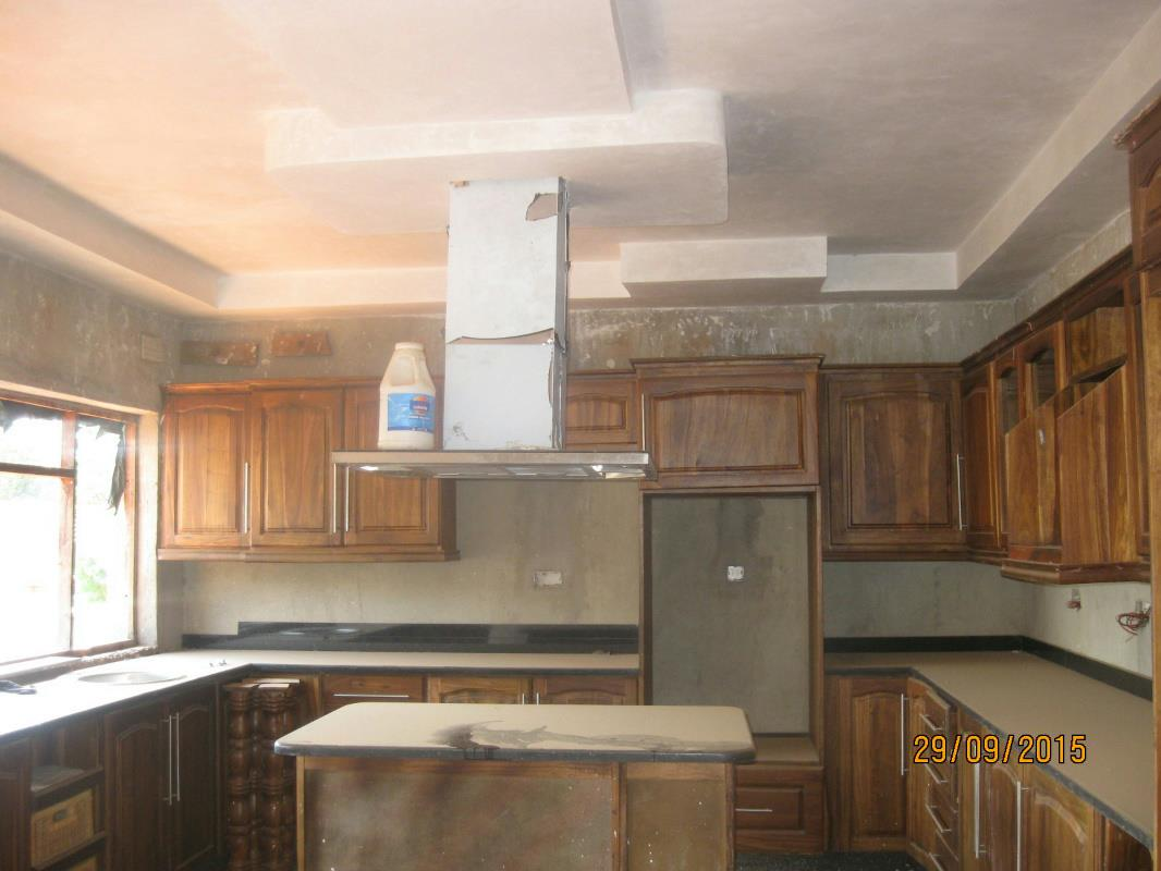 4 bedroom house for sale harare harare zimbabwe 3zb1280065 pam golding properties for Fitted kitchen designs in zimbabwe