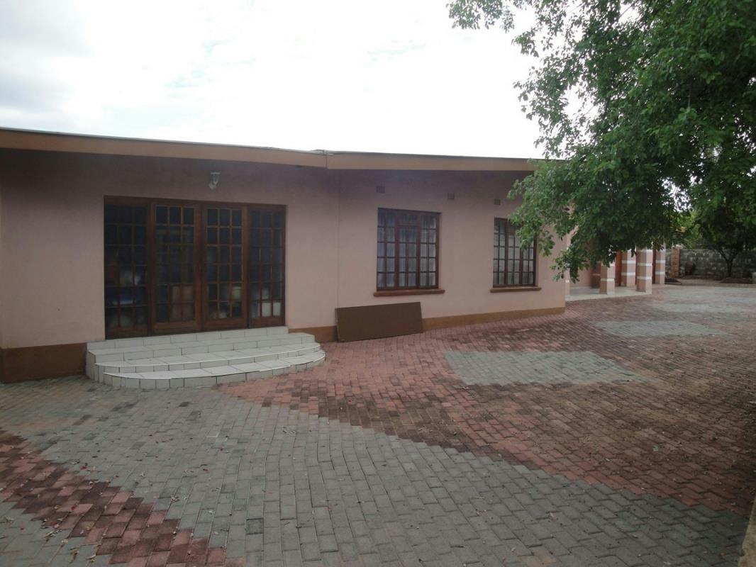 4 Bedroom House For Sale Village Botswana 3bo1261429
