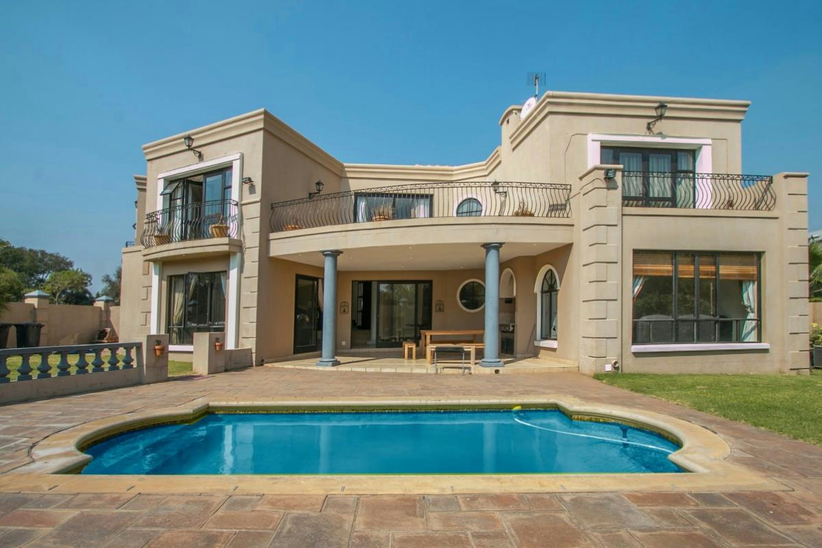 http://listing.pamgolding.co.za/Images/Properties/201604/549660/H/549660_H_1.jpg
