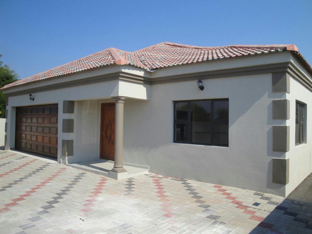 4 Bedroom House For Sale Broadhurst Botswana