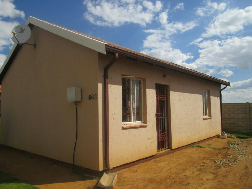 http://listing.pamgolding.co.za/Images/Properties/201604/550205/H/550205_H_18.jpg
