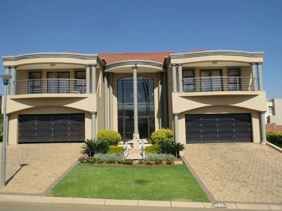 6 Bedroom House For Sale Xanadu 1HR