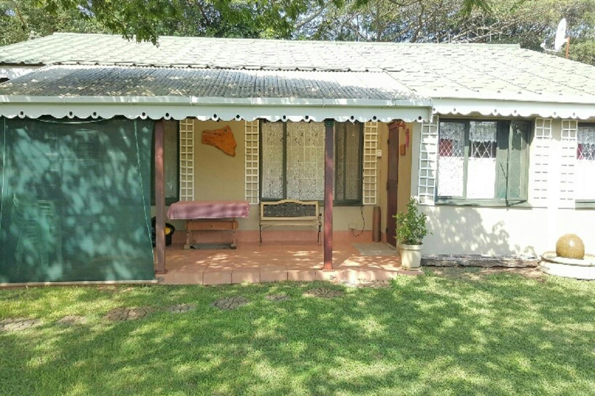 http://listing.pamgolding.co.za/Images/Properties/201604/550805/H/550805_H_1.jpg
