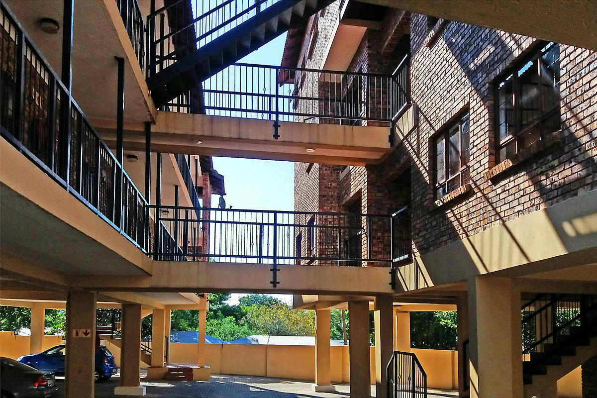 2 Bedroom Apartment For Sale Nelspruit 1ns1269590