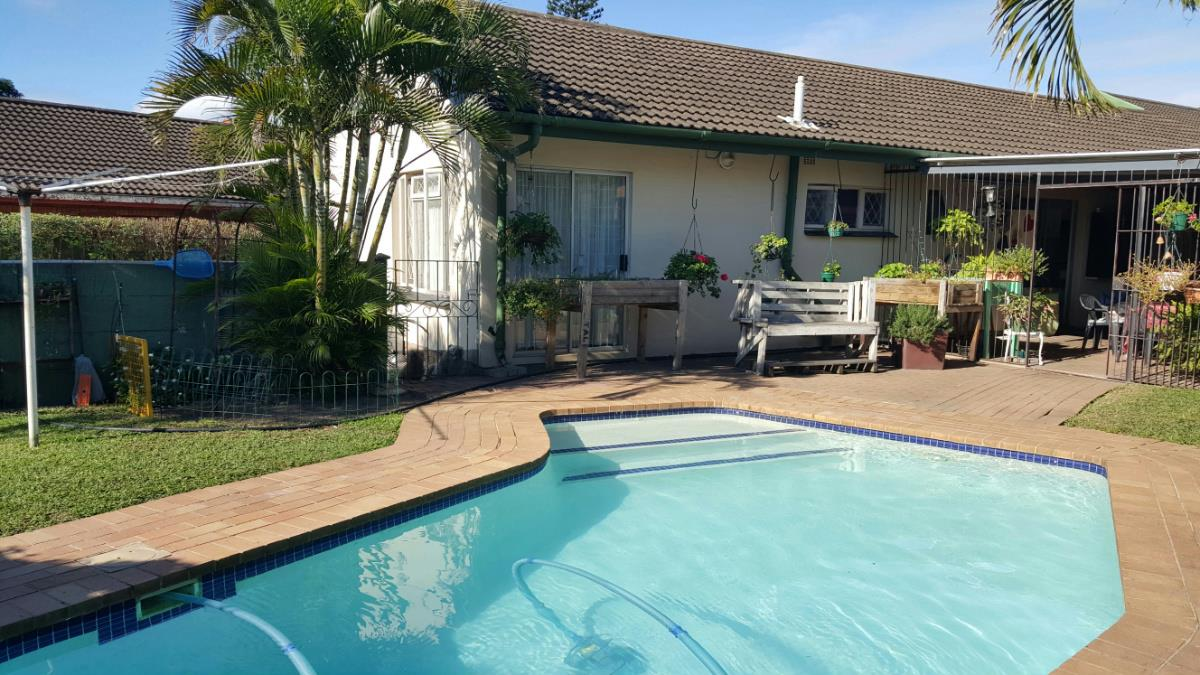 http://listing.pamgolding.co.za/Images/Properties/201606/349964/H/349964_H_20.jpg