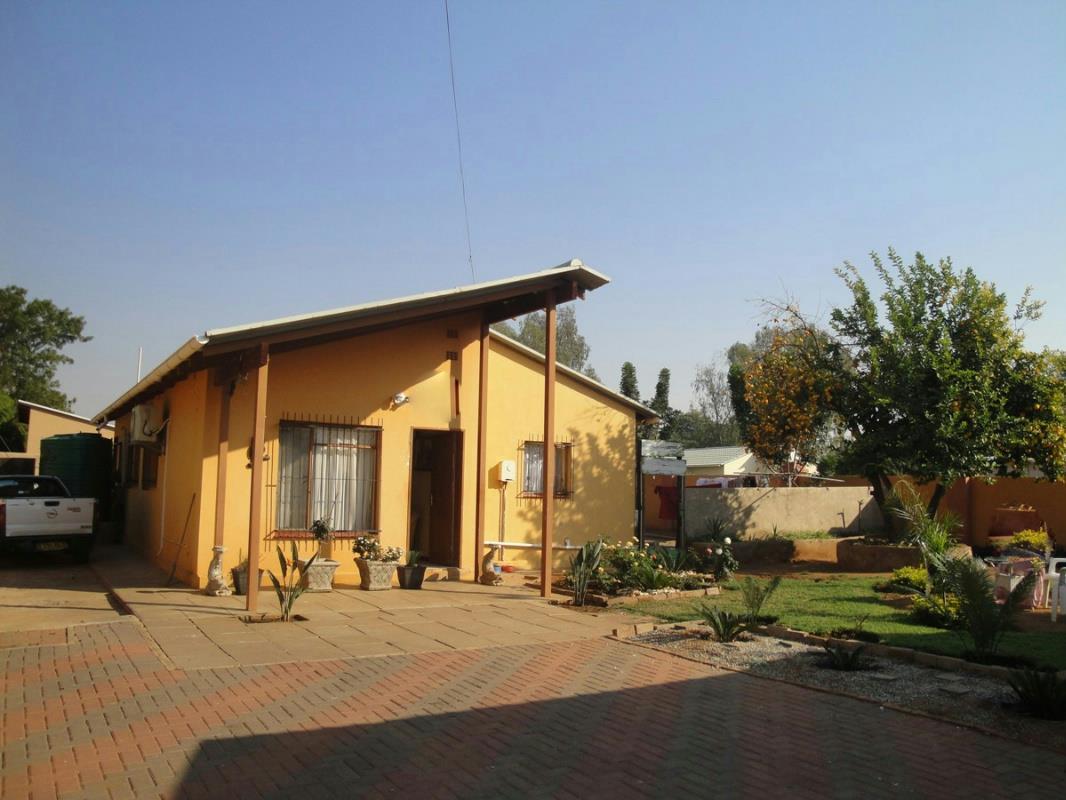 3 Bedroom House For Sale Block 5 Botswana 3bo1271500