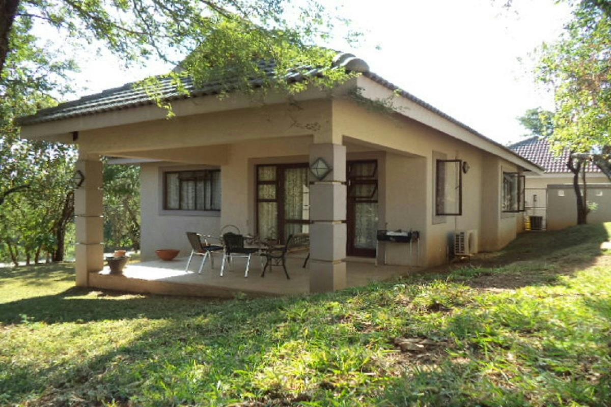 http://listing.pamgolding.co.za/Images/Properties/201606/559408/H/559408_H_1.jpg