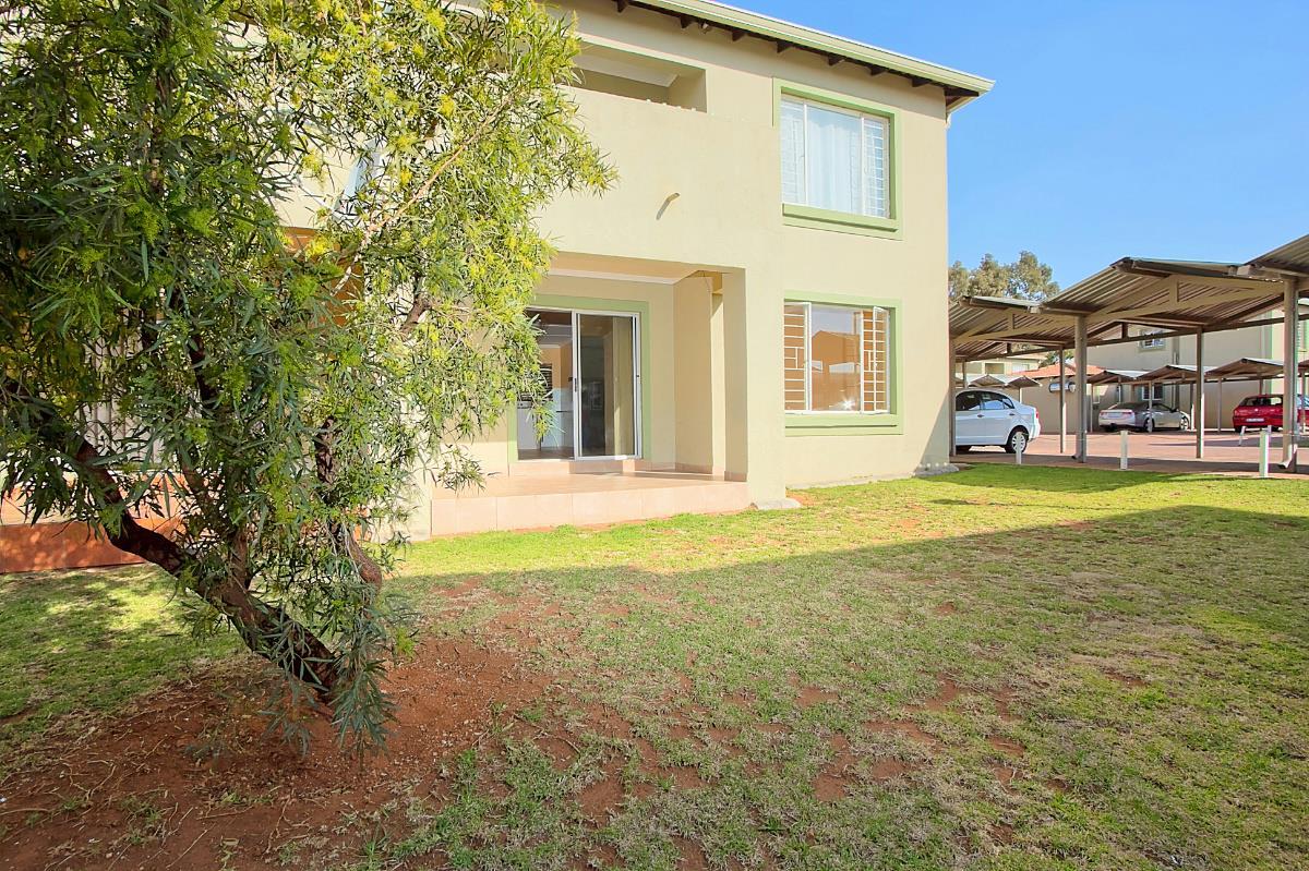 2 Bedroom Townhouse For Sale Terenure 1en1302429 Pam Golding Properties