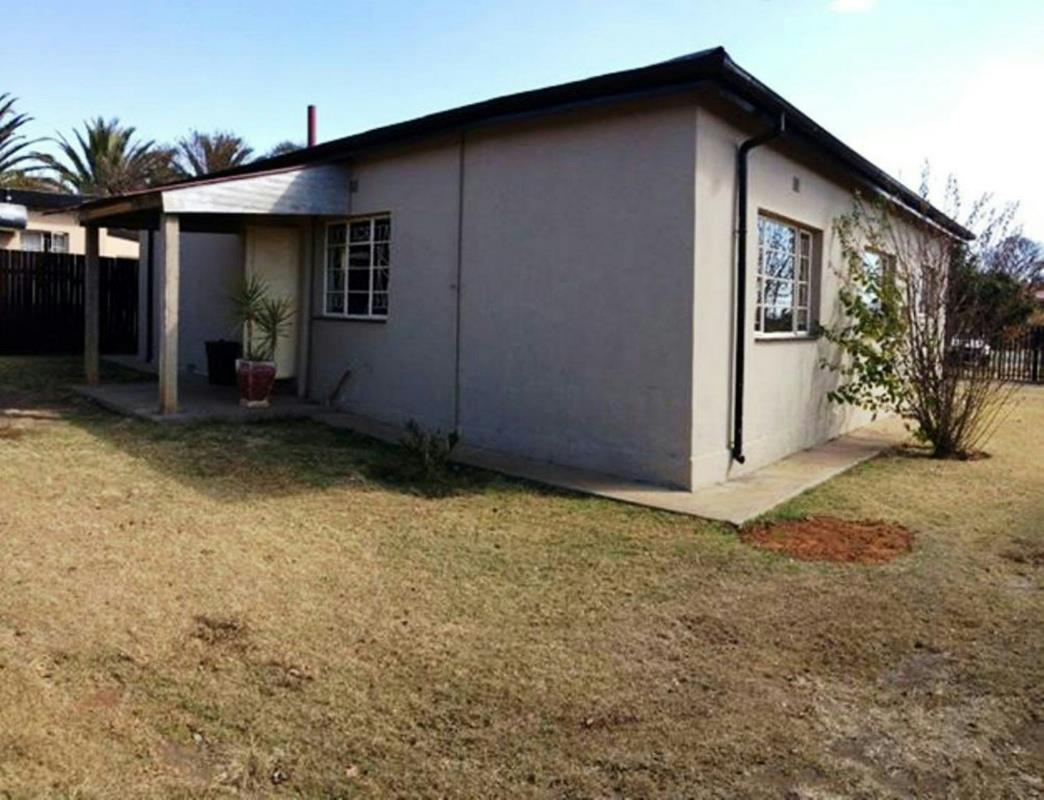 http://listing.pamgolding.co.za/Images/Properties/201606/562031/H/562031_H_1.jpg