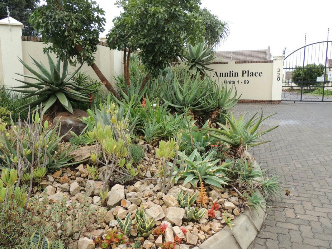 http://listing.pamgolding.co.za/Images/Properties/201607/565036/H/565036_H_9.jpg