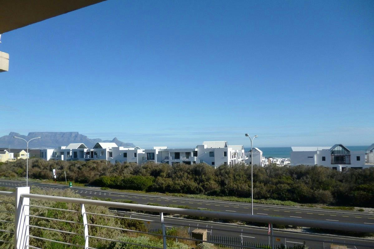 http://listing.pamgolding.co.za/Images/Properties/201607/566990/H/566990_H_4.jpg