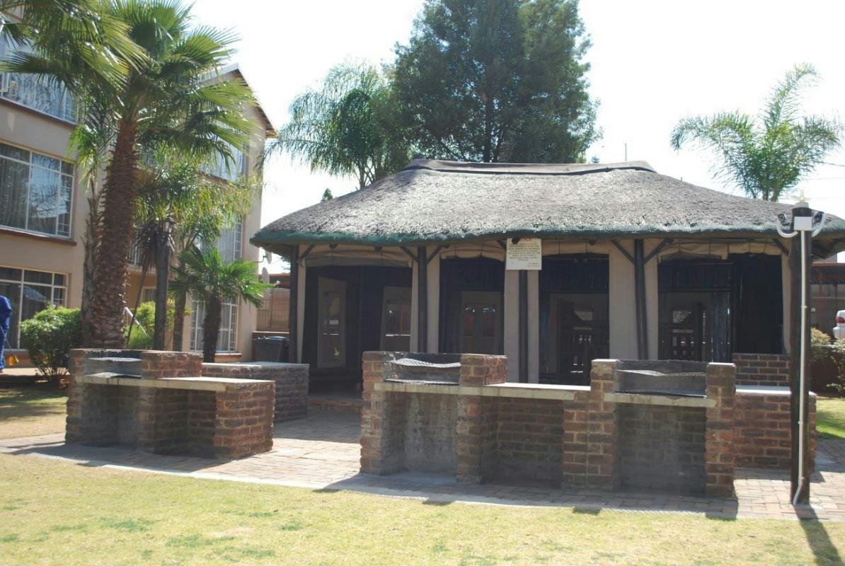 2 bedroom house for sale florida roodepoort