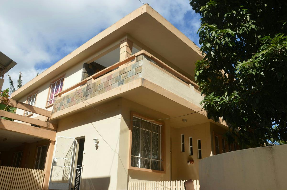 5 bedroom house for sale rose hill mauritius for Pool show rosehill