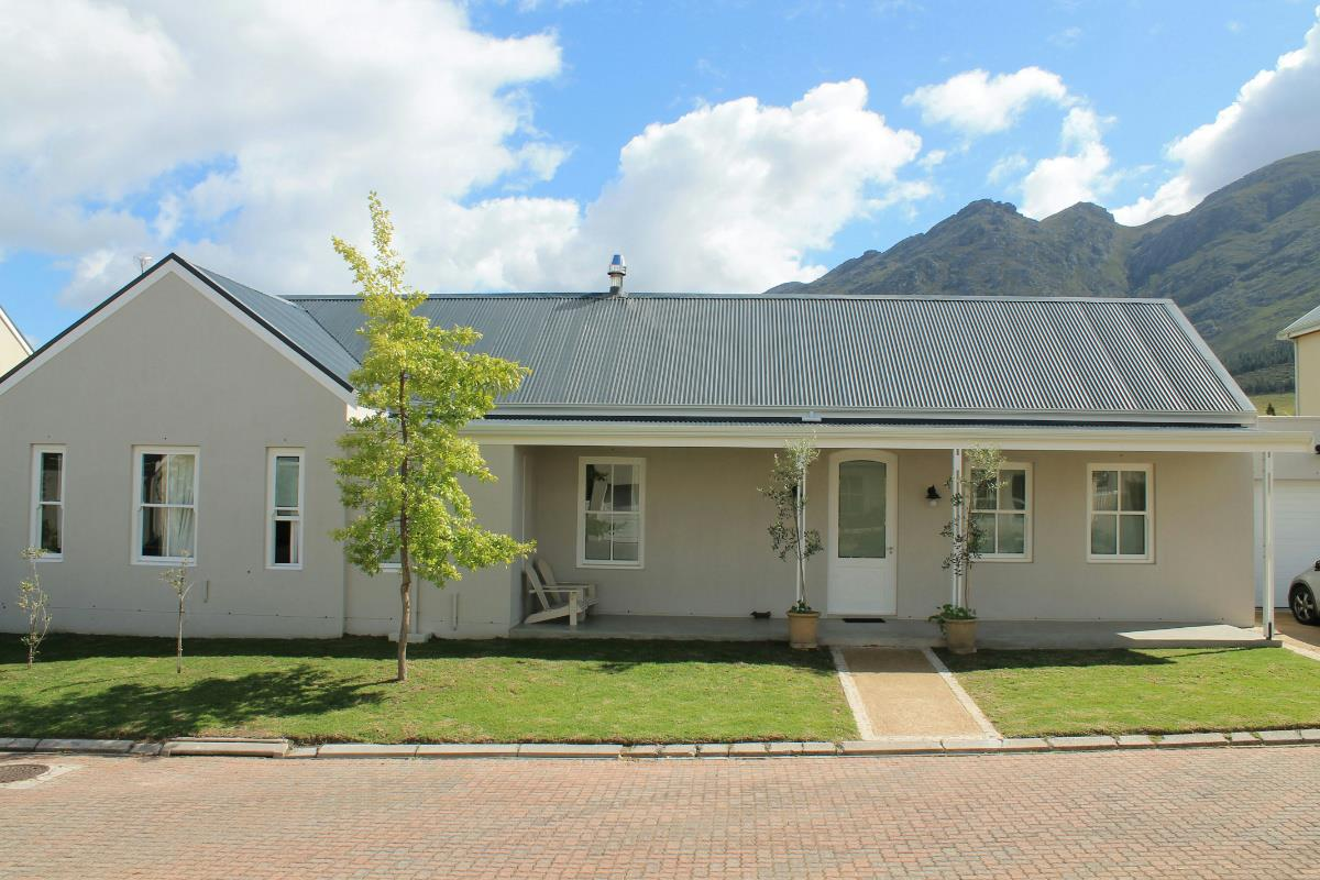 http://listing.pamgolding.co.za/Images/Properties/201609/526318/H/526318_H_17.jpg