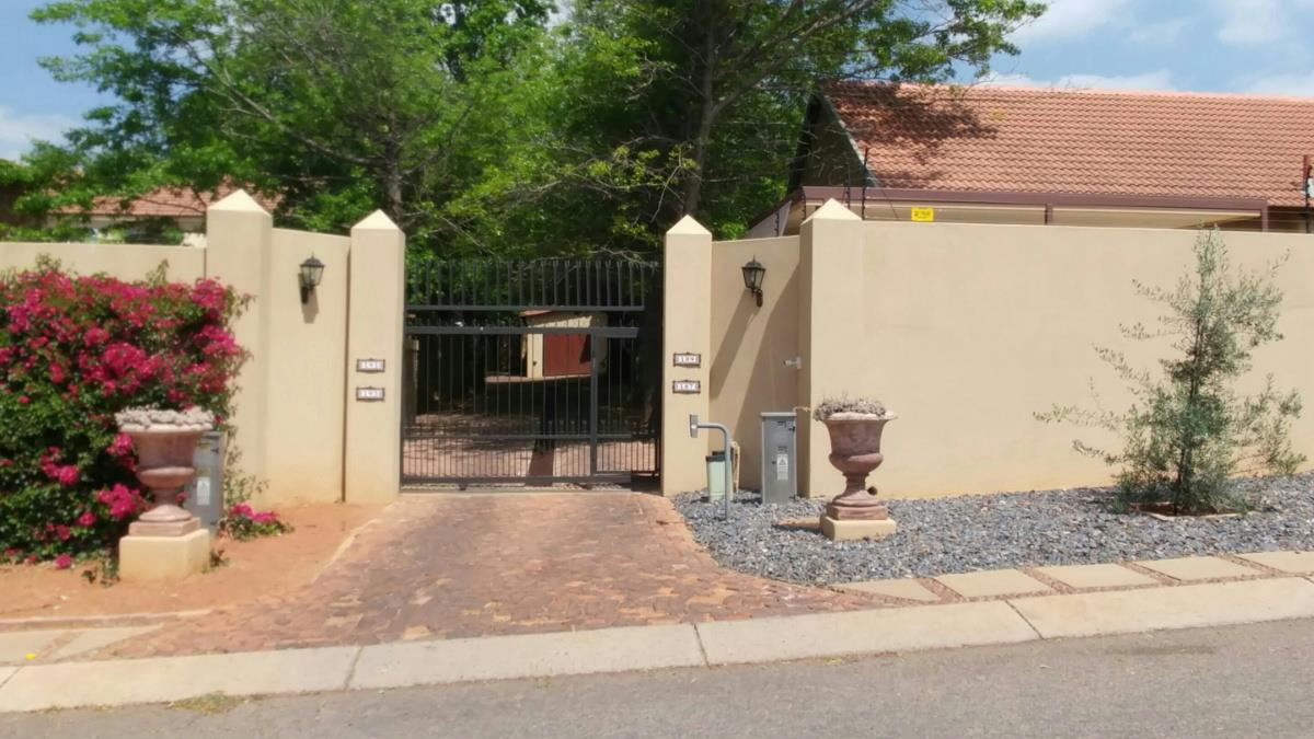 3 bedroom house for sale newlands pretoria east for Landscaping rocks for sale in pretoria