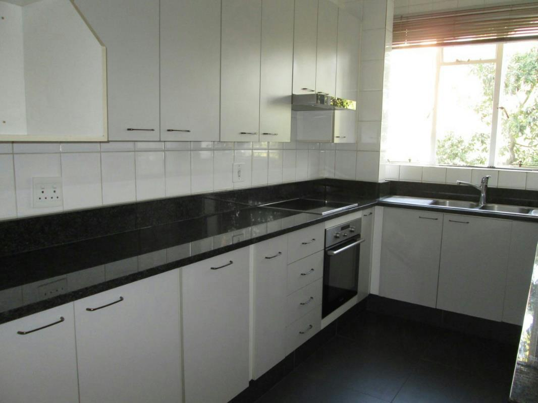 http://listing.pamgolding.co.za/Images/Properties/201609/579782/H/579782_H_4.jpg