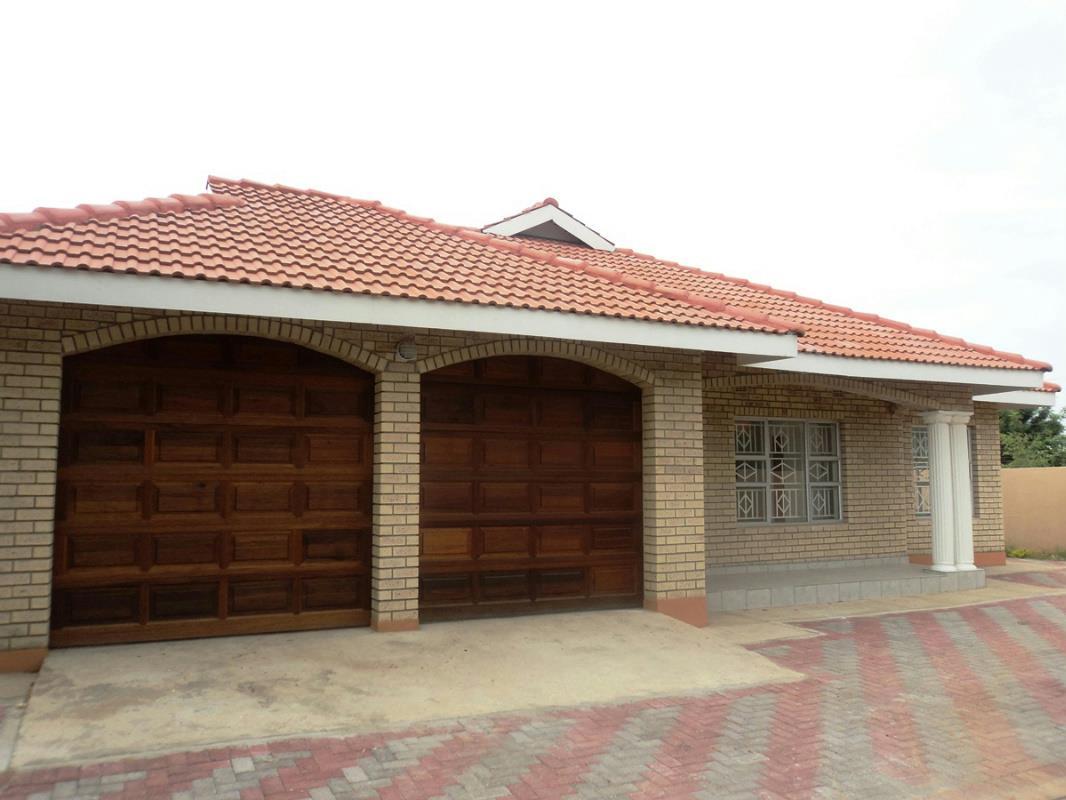 4 Bedroom House For Sale Block 3 Botswana 3bo1290601