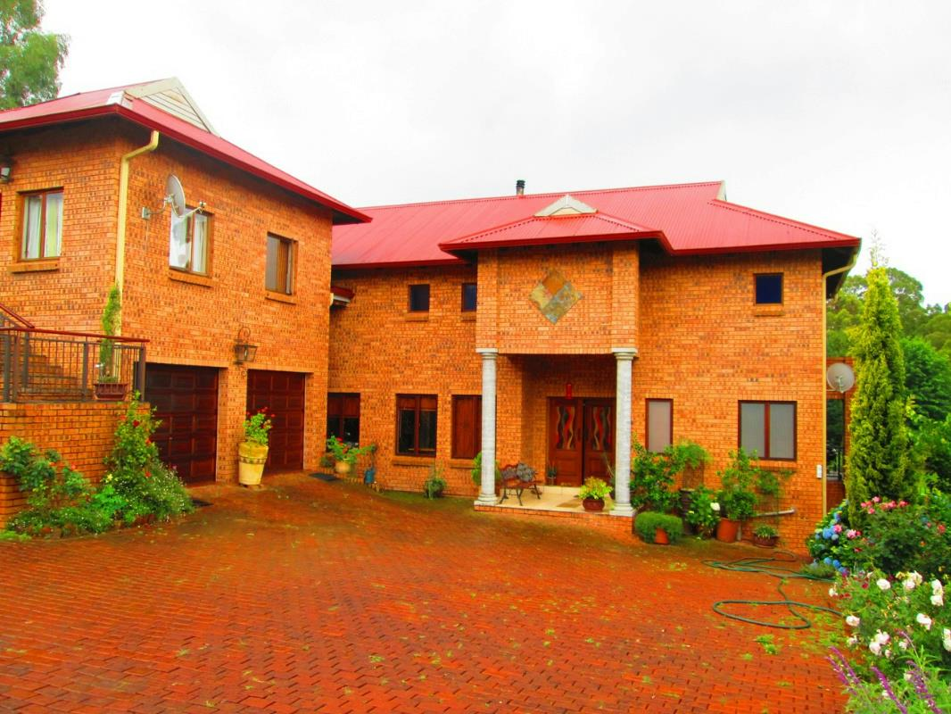 http://listing.pamgolding.co.za/Images/Properties/201611/177302/H/177302_H_5.jpg