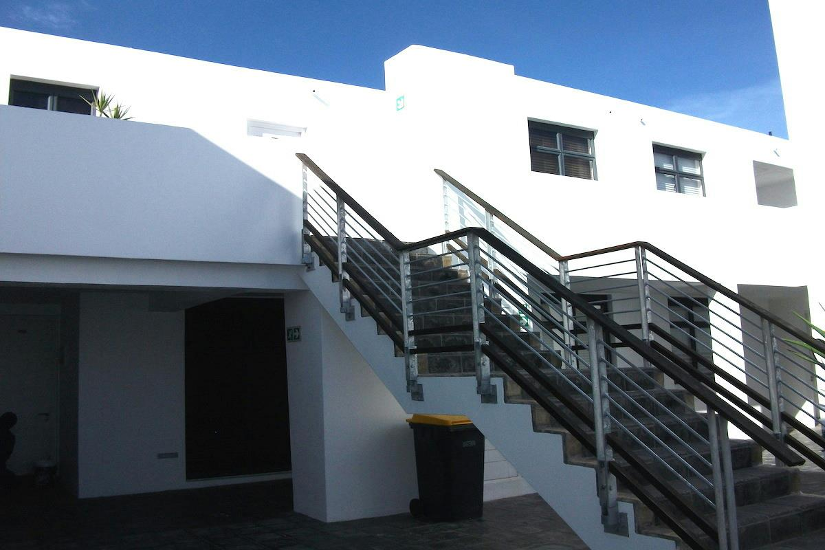 http://listing.pamgolding.co.za/Images/Properties/201611/596299/H/596299_H_5.jpg