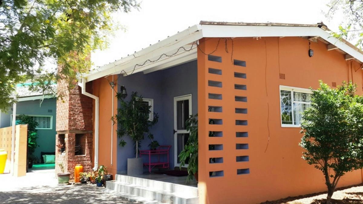 3 Bedroom House For Sale Partial Botswana 3bo1297095