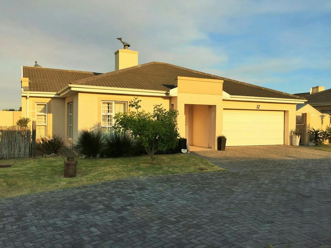 Property for sale in summerstrand pam golding properties