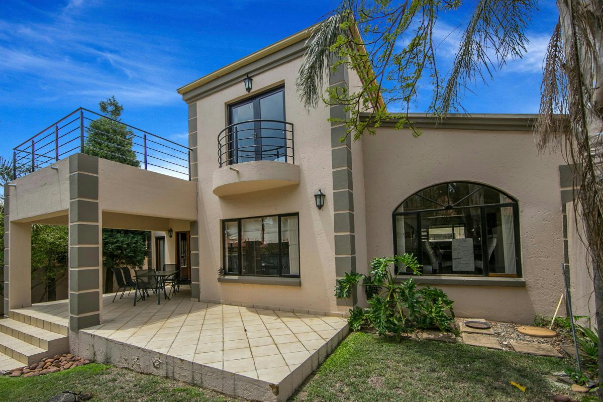 http://listing.pamgolding.co.za/Images/Properties/201612/598165/H/598165_H_46.jpg