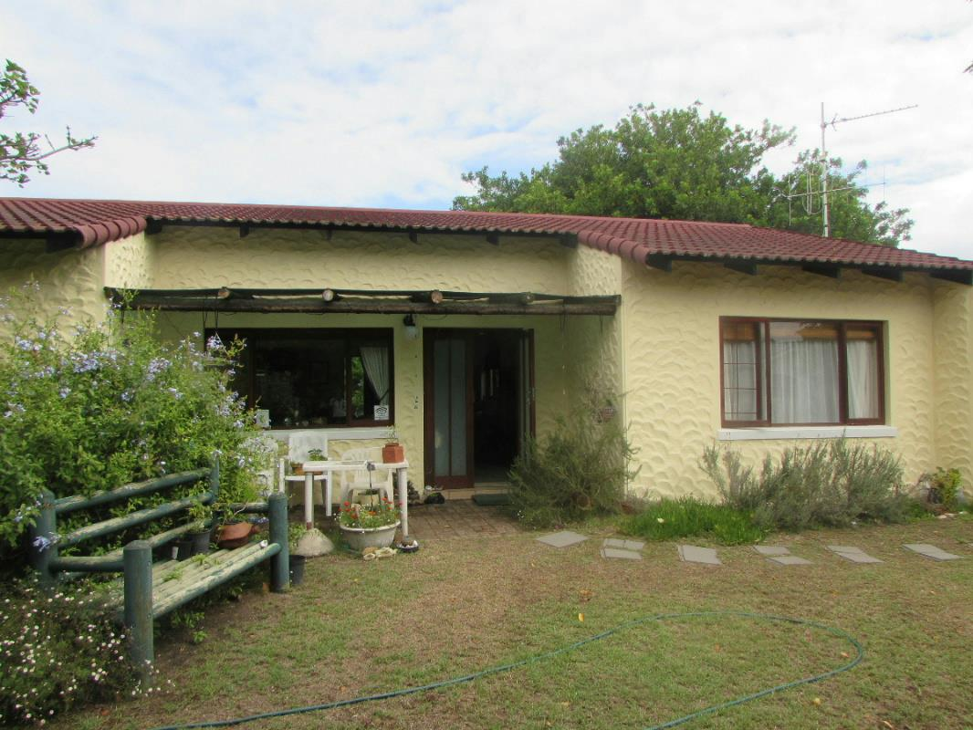 2 bedroom cottage for sale the island 1sh1304350 pam for 2 bedroom cottage
