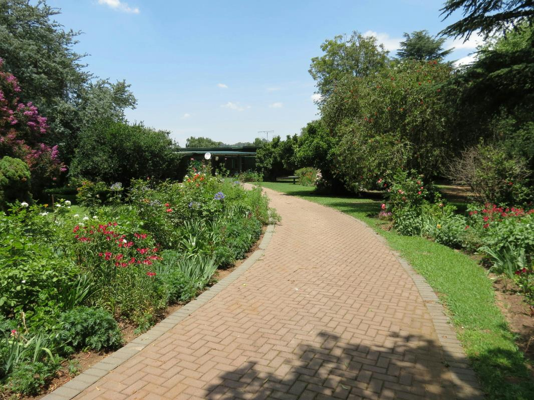http://listing.pamgolding.co.za/Images/Properties/201701/454136/H/454136_H_21.jpg