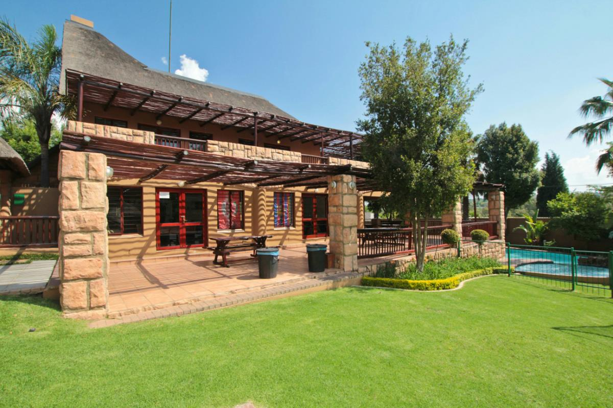 http://listing.pamgolding.co.za/Images/Properties/201701/599963/H/599963_H_5.jpg